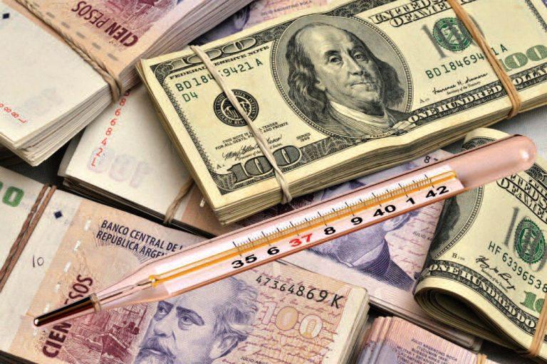 La fiebre del dólar que nadie entiende en Argentina