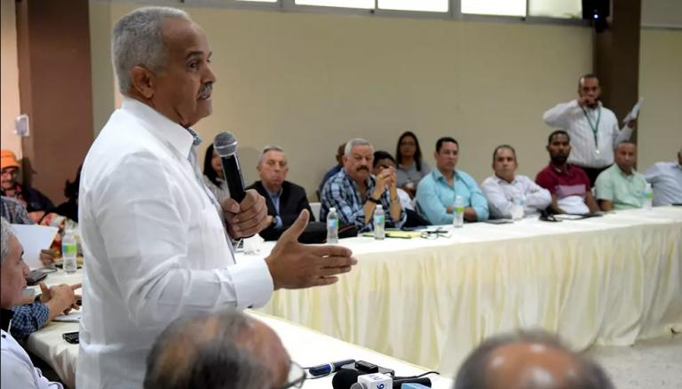 República Dominicana: Las autoridades buscan ayudar a avicultores en crisis
