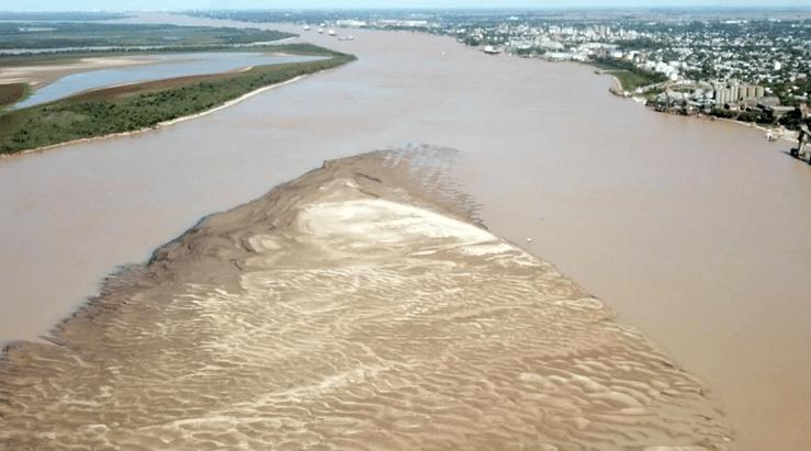 En medio de la cosecha gruesa, la histórica bajante del Río Paraná complica la logística en los puertos exportadores