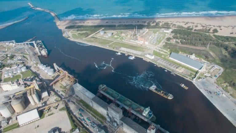 Estado de los puertos de Bahía Blanca y Quequén luego de los conflictos